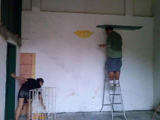 Pintura mural com o grupo Ateliê Um.