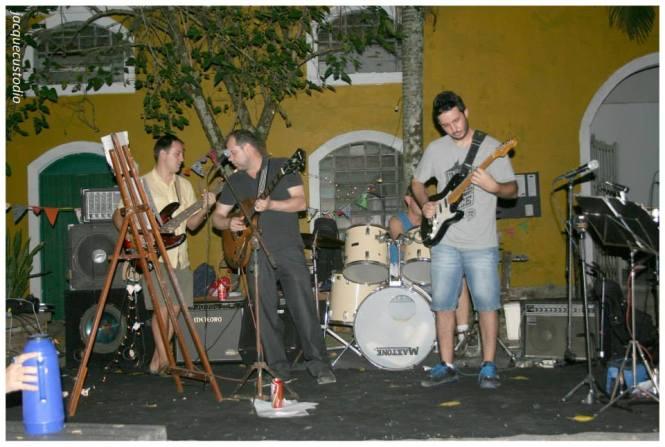Apresentação musical da banda Ex-Orbitantes